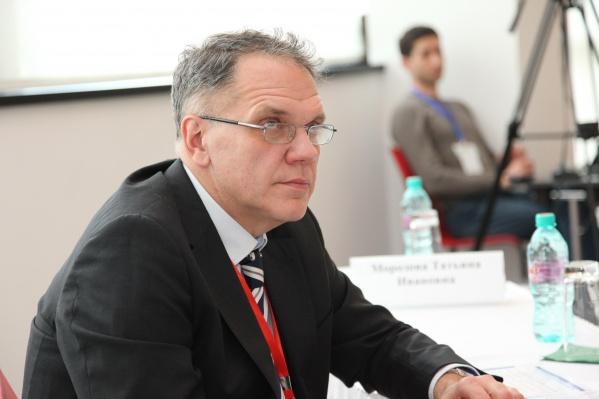 Игорь Медвинский был главным научным сотрудником Центра клинических исследований и апробаций, профессором кафедры фтизиатрии и пульмонологии УГМУ