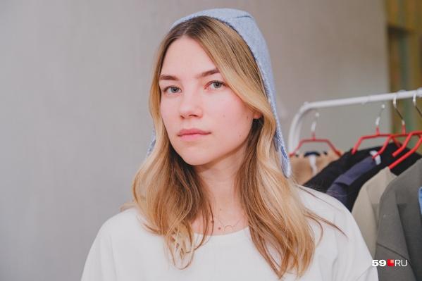 Ольга и сама любит носить свои чепчики. У нее даже есть талисман — розовый чепчик из второй коллекции