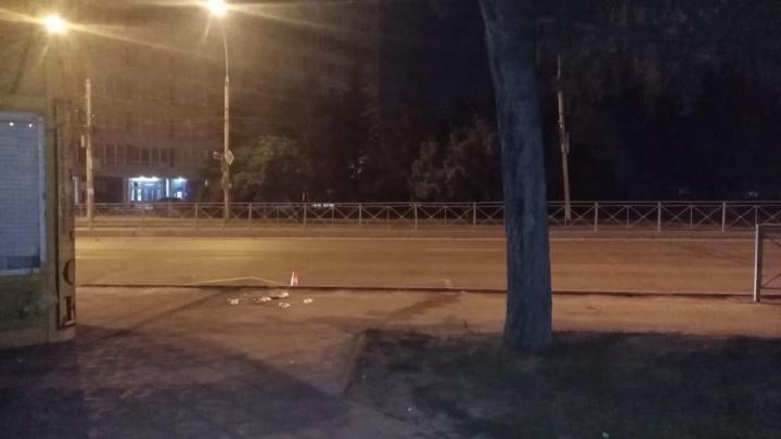 Из троллейбуса № 23 во время вечернего рейса выпала пассажирка
