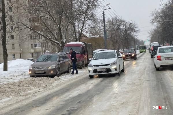 На улице идет дождь — дороги покрываются льдом