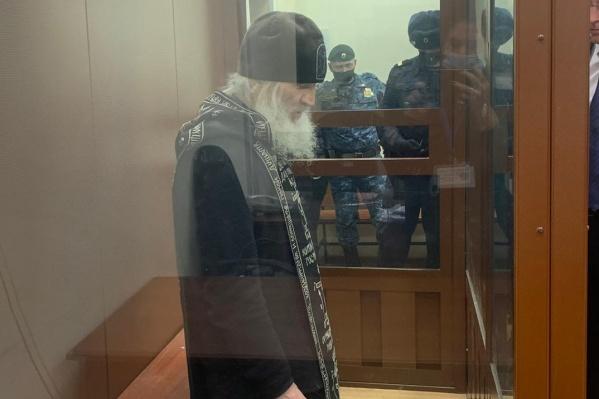 В конце декабря суд отправил Романова под арест