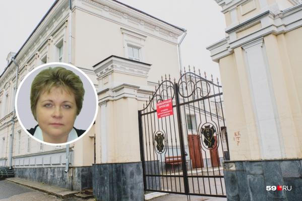 Марина Демидова в гимназии преподавала информатику