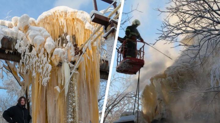 Пришлось вызвать спасателей и резать лед струей. На Сульфате начали борьбу с ледяным великаном