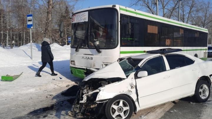 Прокуратура возбудила 9 дел после смертельной аварии с автобусом возле НГАУ