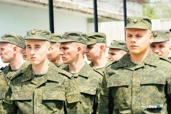 Альтернативная служба, в отличие от службы в войсках, длится в полтора раза дольше