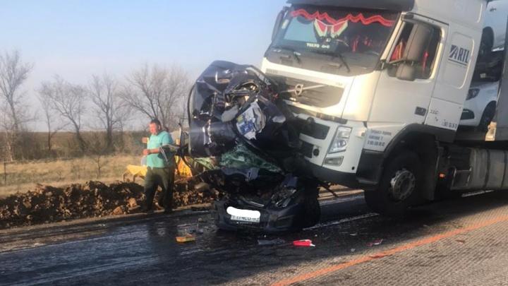 «Это очень страшно!»: появилось видео жуткой аварии на трассе под Волгоградом