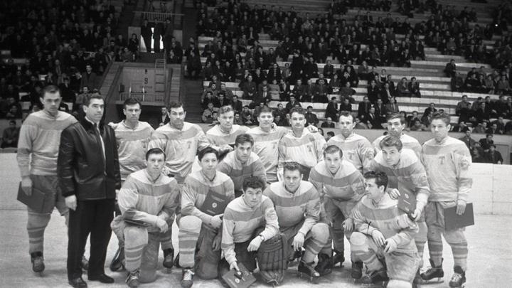 «Надо играть так, чтобы нашим соперникам не хватало кислорода»: 60 лет первым медалям «Торпедо» в чемпионате СССР