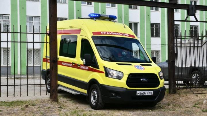 Стало известно состояние ребенка, с которым мама выпрыгнула из окна многоэтажки в Екатеринбурге