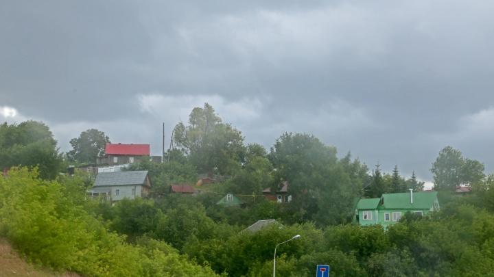 В Башкирию вернутся грозы, ливни и град