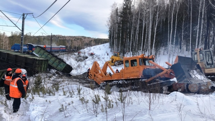 В Челябинской области на перегоне ЮУЖД, где сошли вагоны, полностью восстановили движение поездов