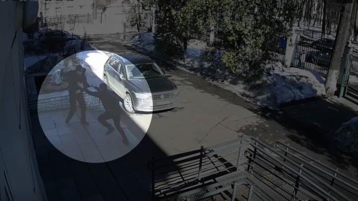 «Он шел убивать»: появилось видео нападения на университет в Ярославле