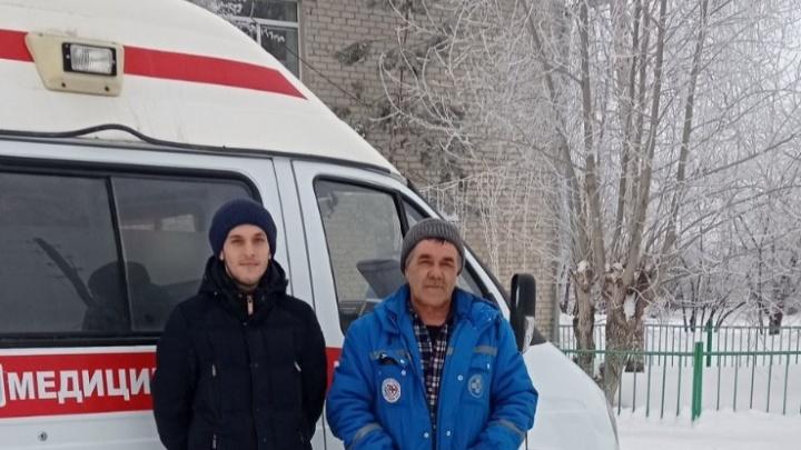 У фельдшера такое впервые: жительница Тюменской области родила в карете скорой помощи
