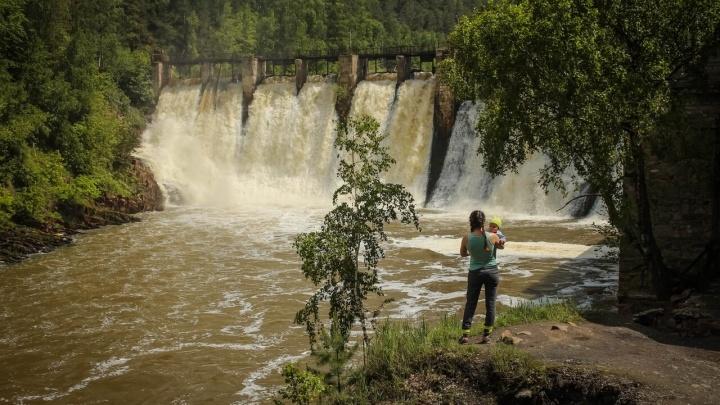 Челябинцы смогут выиграть поездку в Казань или отправиться в парк «Оленьи ручьи» вместе с ТРК «Космос»