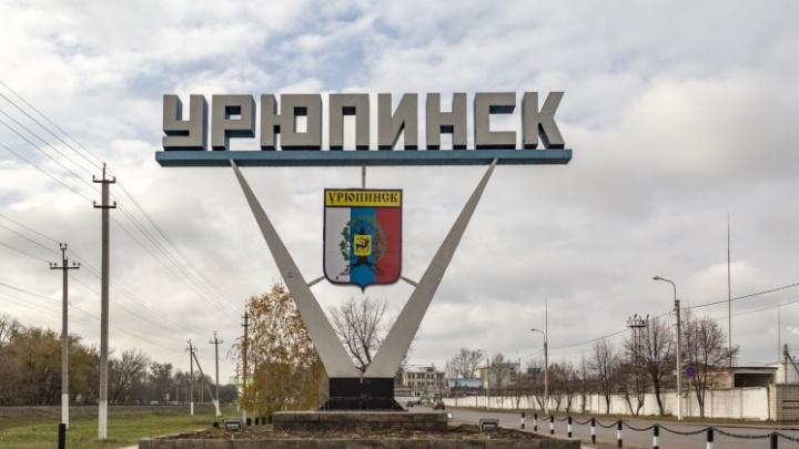 Перед смертью успел позвонить жене: в Урюпинске мужчина в жару умер за рулем грузовика