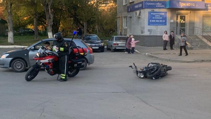 В Екатеринбурге за день в авариях разбили три байка. Сами мотоциклисты тоже пострадали