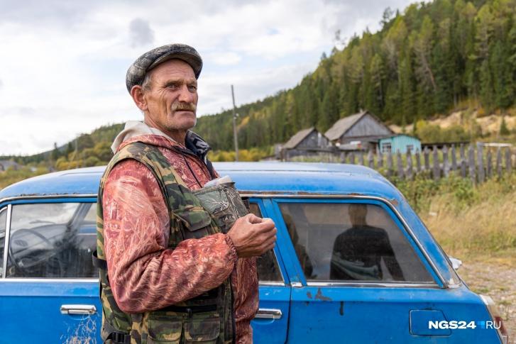 Рядом много рек — Александр Иванович рассказывает, что всю жизнь ловит в них рыбу
