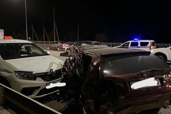 Участниками аварии стали четыре автомобиля