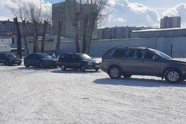 Манёвр по Мишустински : почему по всей стране очереди на техосмотр вопреки заявлениям премьера