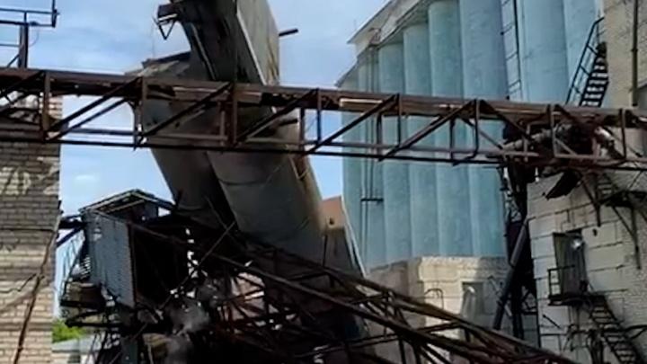 Снос мельницы на территории волгоградского элеватора попал на видео