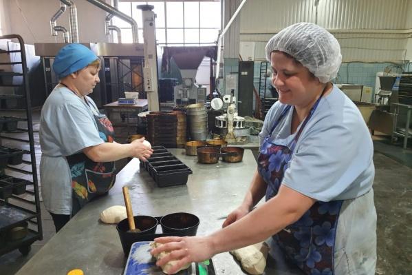 В каждую буханку хлеба профессионалы вкладывают тепло своих рук и доброту сердца