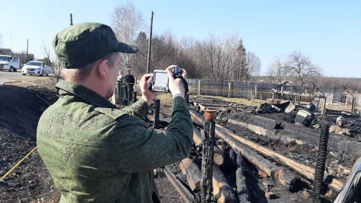 На месте страшного пожара в Бызово нашли останки пятого погибшего ребенка