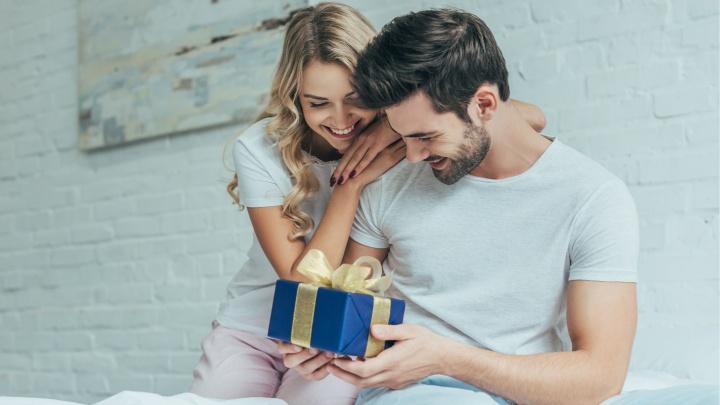 Удиви мужчину: идеи подарков, которые не только запомнятся, но и порадуют