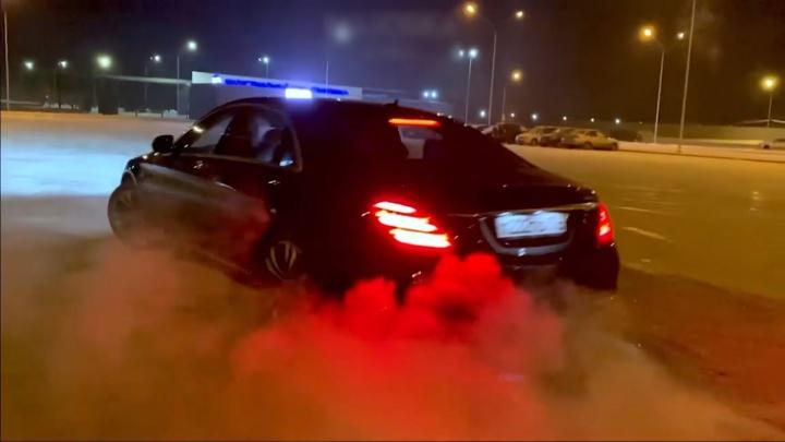 Челябинские мажоры на дорогих машинах подразнили ГИБДД ездой по встречной полосе