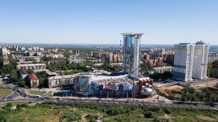 От фанфуриков ушел: кто стал новым владельцем торгово-офисного центра «Вертикаль»