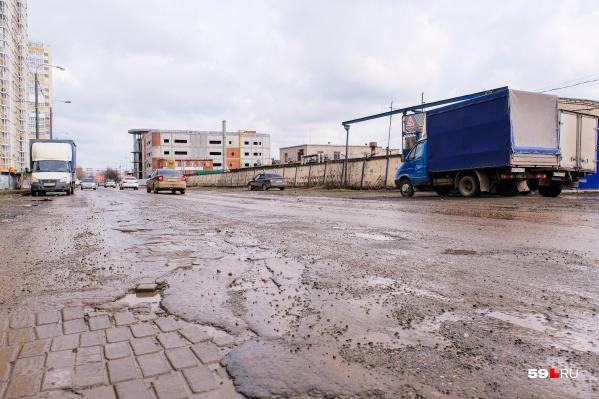 На улице Карпинского продолжается масштабная реконструкция