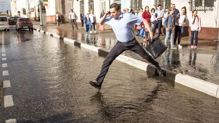 Сделать быстро не получится: многие улицы Ярославля стали непроходимыми для пешеходов