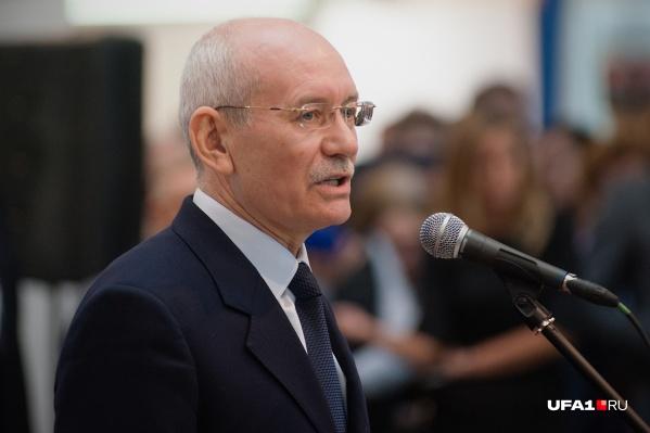 Хамитов руководил Башкирией четыре года как президент и еще четыре — как глава республики
