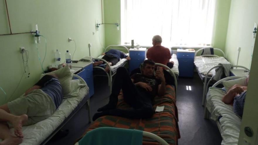 В Челябинской области новый антирекорд по числу зараженных и умерших от ковида. Больные жалуются на тесноту в палатах