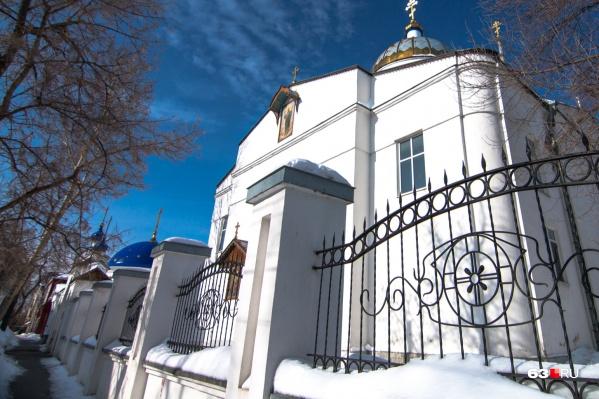 Верующим рекомендуют не ходить в храмы в рождественскую ночь