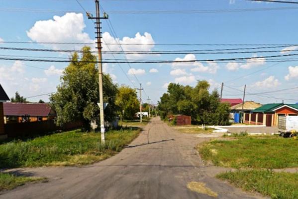 Территория, где стояли аварийные дома, находится чуть дальше по улице