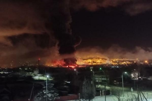 Столб дыма было видно за километры
