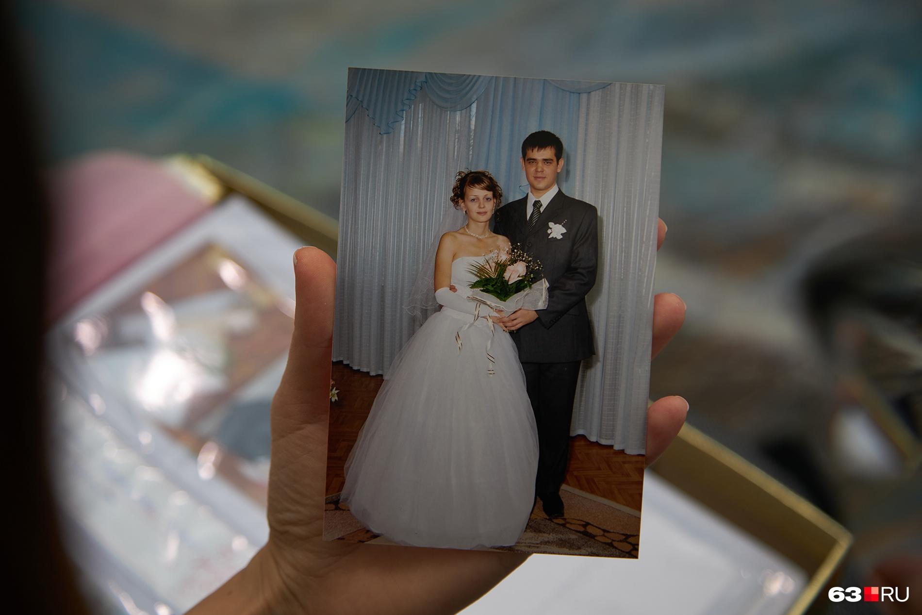 Мария и Василий решили пожениться через полтора месяца после знакомства, до самой свадьбы прошло четыре