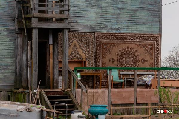 На Кего по-новому взглянули на традиционные ковры на стенах