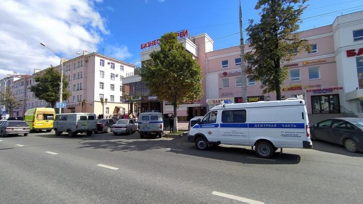 В Перми волна эвакуаций: в ТЦ поступили сообщения о взрывных устройствах