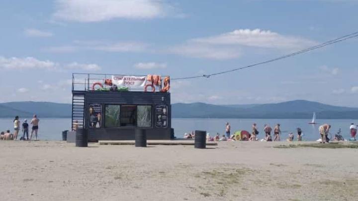 Власти Миасса установили таблички о запрете купания в озере Тургояк