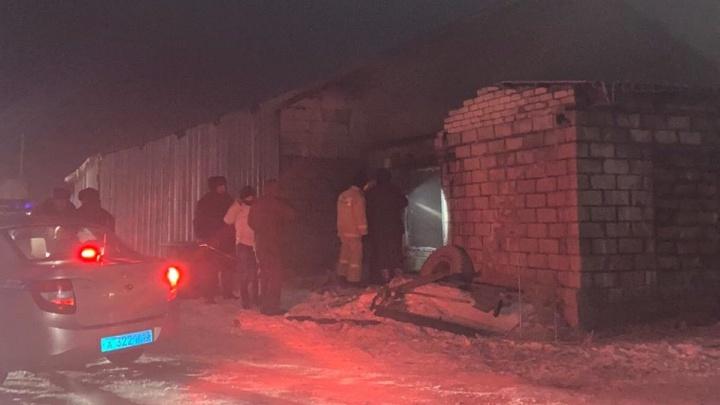 На сгоревшем складе в Тольятти нашли тело 2-летнего ребенка