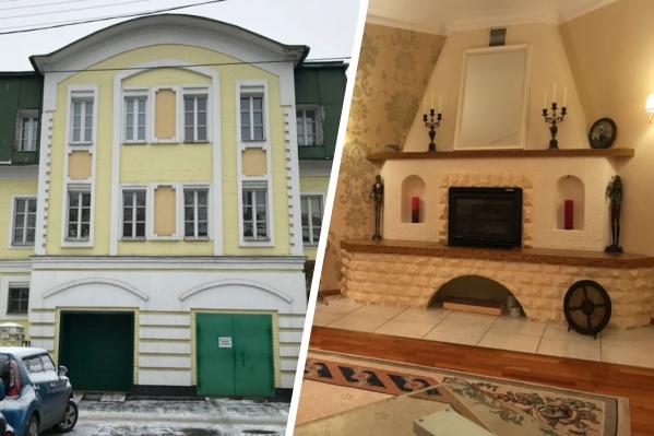 Многие частные дома имеют свой камин, сауну и бильярдную