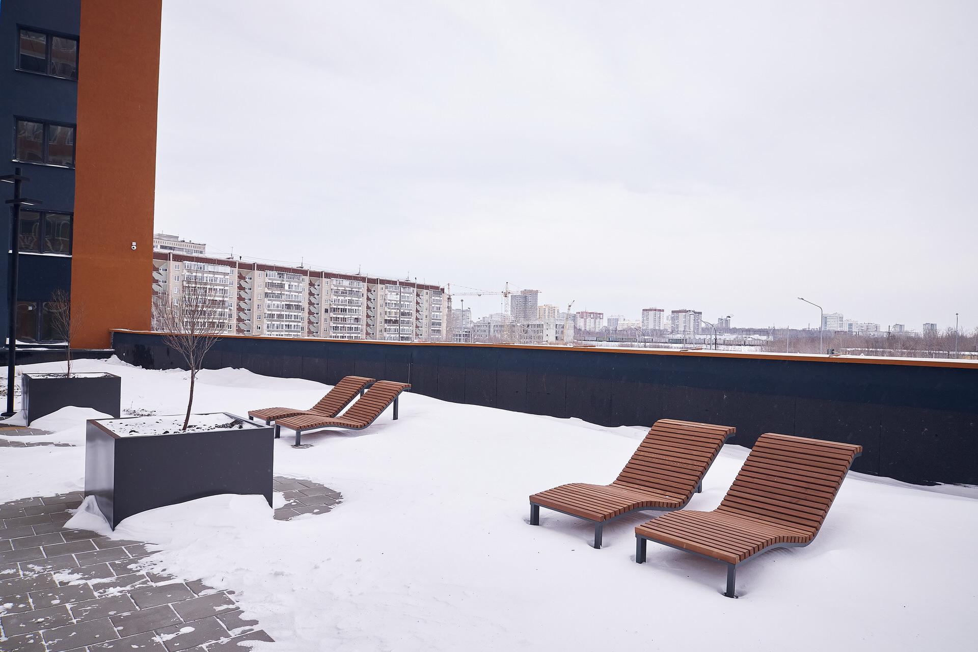 Пока во дворе доступны только зимние забавы