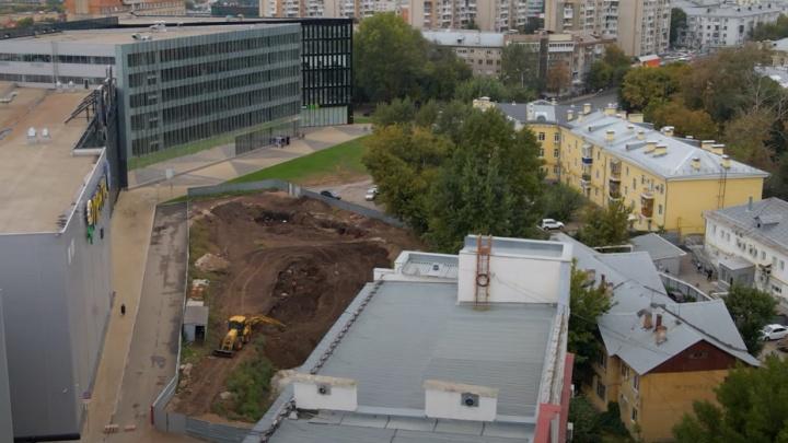 Как в тисках: в Самаре около ТЦ «Гудок» начали готовить площадку для стройки высоток