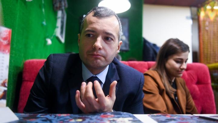 Опубликовали даже фото паспорта: мошенники взломали Instagram пилота-героя Дамира Юсупова