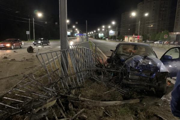 Две машины столкнулись после полуночи