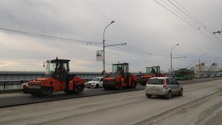 Мэр Новосибирска назвал срок окончания работ на Октябрьском мосту