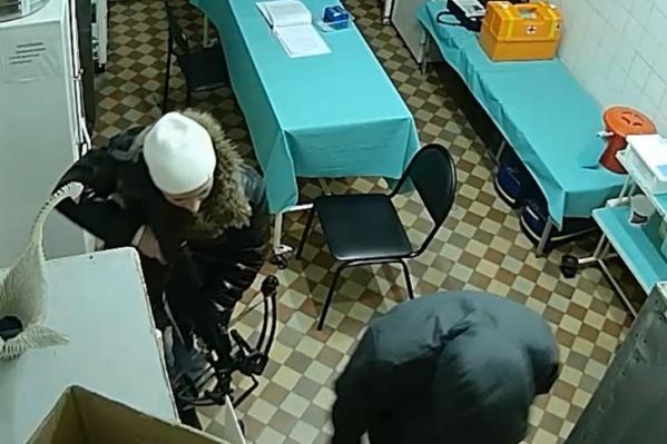У сотрудников скорой помощи нападавшие пытались забрать результаты медосвидетельствования