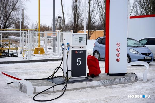 Перед Новым годом бензин в Омске также подорожал