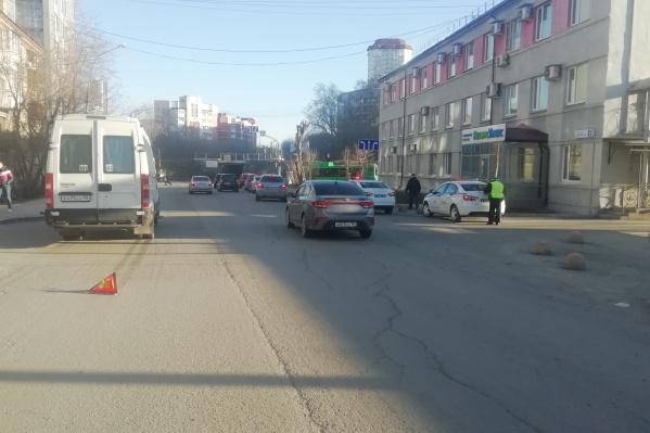 Мальчика сбил микроавтобус с пассажирами