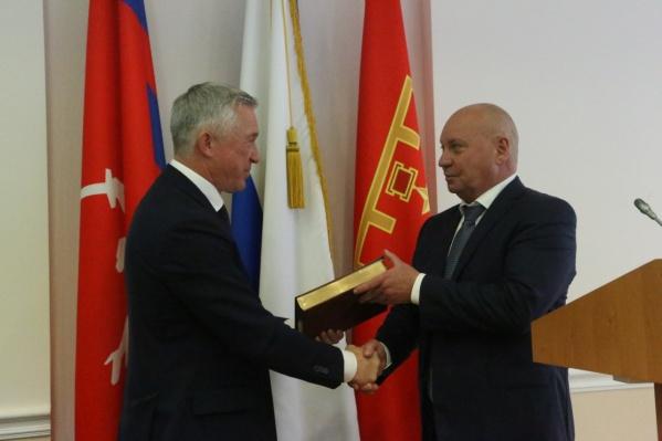 Сегодня ночью Виталий Лихачев официально потеряет статус мэра